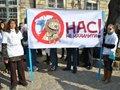 Львівські студенти приготували кожному депутату по банці вазеліну
