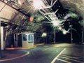 В Москві мігранти переобладнали бомбосховище в підземне місто