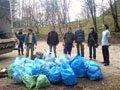 Небайдужа молодь прибрала від сміття парк «Знесіння»