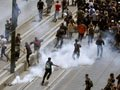 Поліція розганяла демонстрантів в Афінах кийками і сльозогінним газом