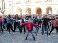 Молодь Львова очікуючи на відкриття стадіону провела танцювальний флеш-моб