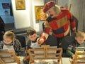 У галереї «Леміш» художник Михайло Демцю провів майстер-клас для дітей