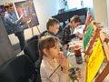 Під час майстер-класу у Петра Ряски у Львові діти малювали дивовижних тварин