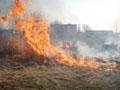 За вихідні на Львівщині сталося 76 пожеж, пов'язаних із спаленням сухої трави