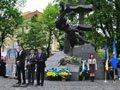Міськрада, попри протест прокурора, знову заборонила червоні прапори у Львові