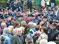 У Львові пенсіонерів знову не пускали покладати квіти на Пагорбі Слави