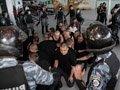 Військовослужбовці внутрішніх військ протестували аеропорт Львова