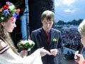На право одружитися на сцені «Підкаменя» оголошено конкурс у Facebook